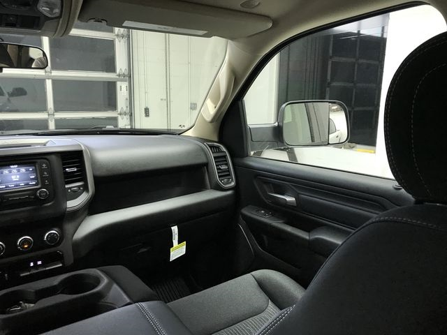 2019 Ram 1500 Crew Cab 4x4,  Pickup #KN597067 - photo 7