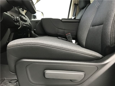 2019 Ram 1500 Crew Cab 4x4,  Pickup #KN597067 - photo 18