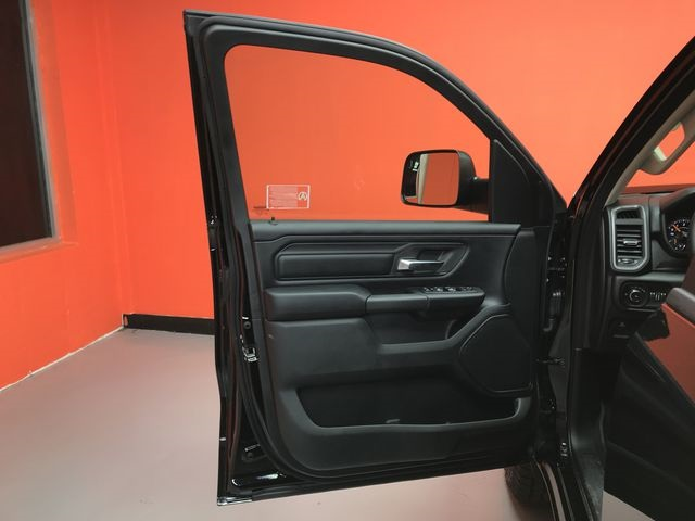 2019 Ram 1500 Crew Cab 4x4,  Pickup #KN613770 - photo 16