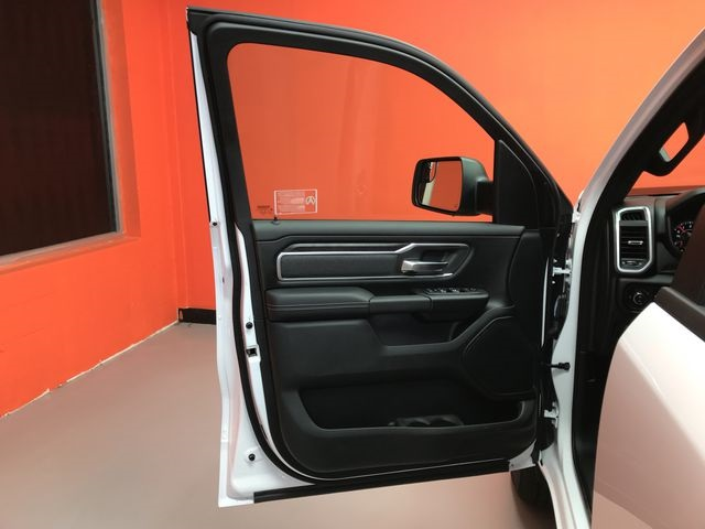 2019 Ram 1500 Crew Cab 4x4,  Pickup #KN644620 - photo 16