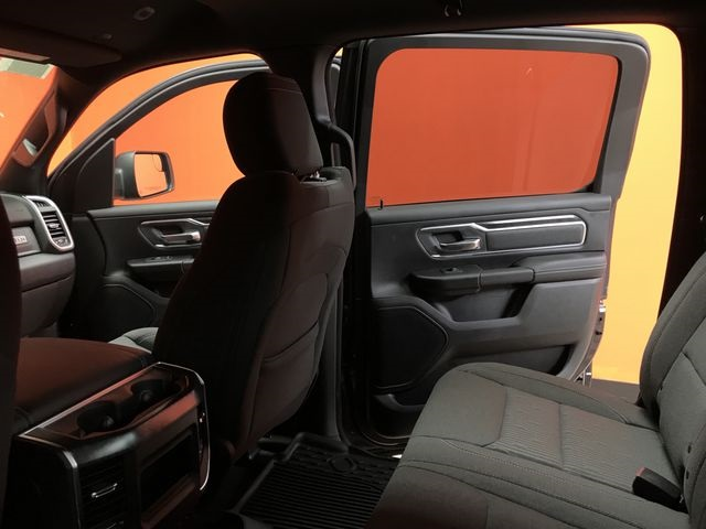 2019 Ram 1500 Crew Cab 4x4,  Pickup #KN644622 - photo 9