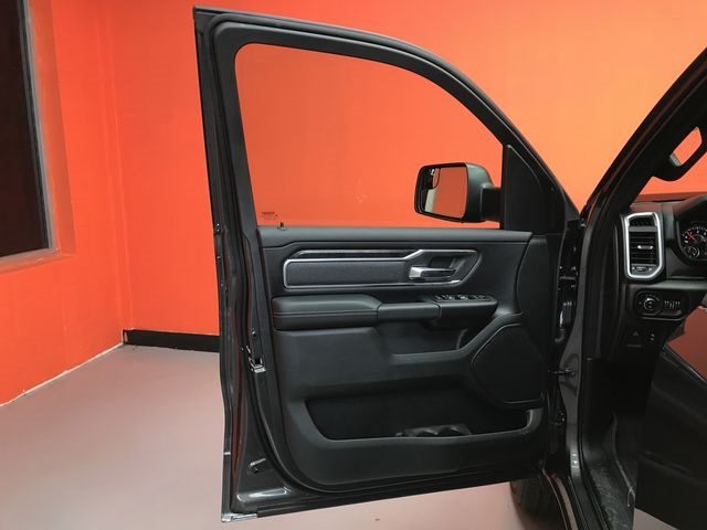 2019 Ram 1500 Crew Cab 4x4,  Pickup #KN644622 - photo 16