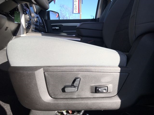 2019 Ram 1500 Crew Cab 4x4,  Pickup #KS558355 - photo 19