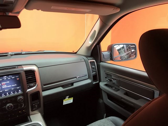 2019 Ram 1500 Crew Cab 4x4,  Pickup #KS558360 - photo 9