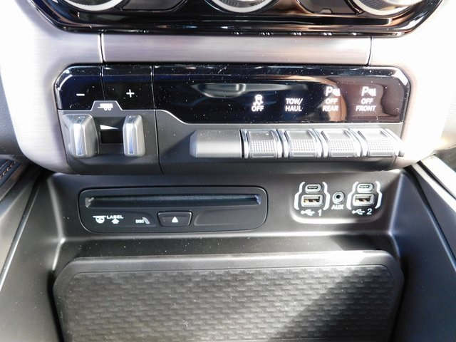 2019 Ram 1500 Crew Cab 4x4,  Pickup #R19016 - photo 35