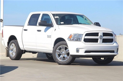 2018 Ram 1500 Crew Cab 4x4,  Pickup #T181523 - photo 3
