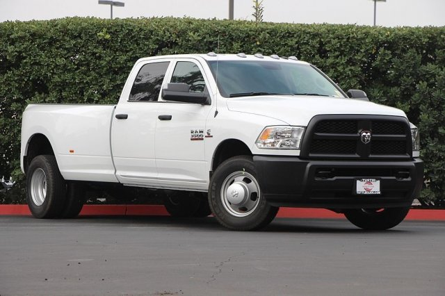 2018 Ram 3500 Crew Cab DRW 4x2,  Pickup #T181914 - photo 3