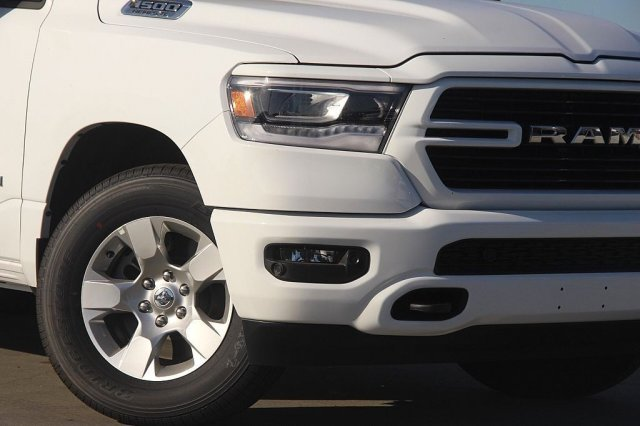 2019 Ram 1500 Crew Cab 4x4,  Pickup #T190127 - photo 4