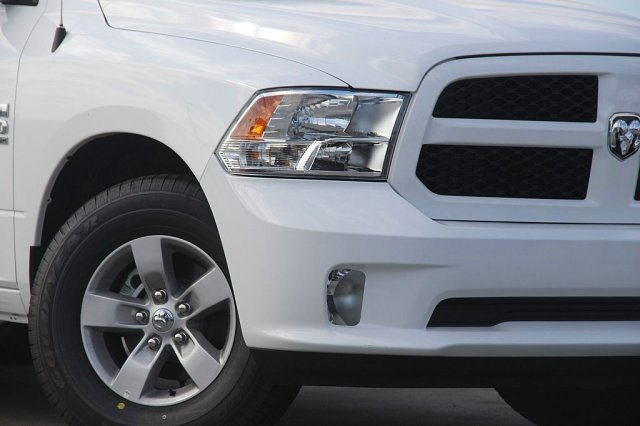 2019 Ram 1500 Crew Cab 4x2,  Pickup #T190129 - photo 4
