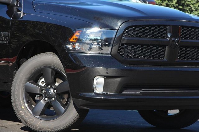 2019 Ram 1500 Crew Cab 4x2,  Pickup #T190317 - photo 4