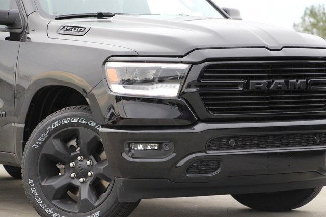 2019 Ram 1500 Crew Cab 4x2,  Pickup #T190432 - photo 4