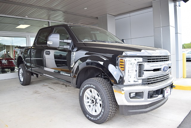 2018 F-250 Crew Cab 4x4,  Pickup #JEB09395 - photo 6