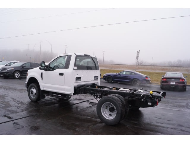 2018 F-350 Regular Cab DRW 4x4,  Cab Chassis #JEB09630 - photo 2