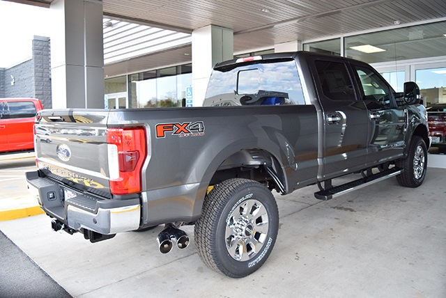 2018 F-250 Crew Cab 4x4, Pickup #JEB71664 - photo 2