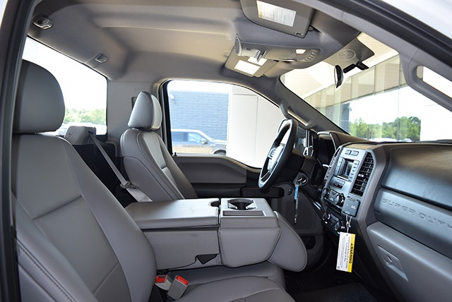 2018 F-350 Regular Cab DRW 4x4,  Cab Chassis #JED00600 - photo 10