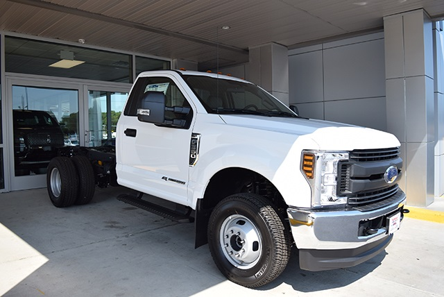 2018 F-350 Regular Cab DRW 4x4,  Cab Chassis #JED00600 - photo 6