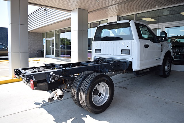 2018 F-350 Regular Cab DRW 4x4,  Cab Chassis #JED00600 - photo 2