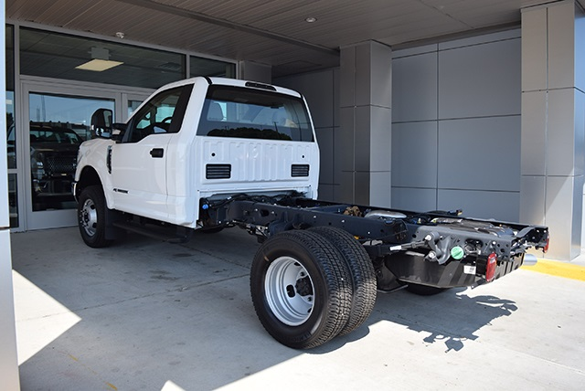 2018 F-350 Regular Cab DRW 4x4,  Cab Chassis #JED00600 - photo 8