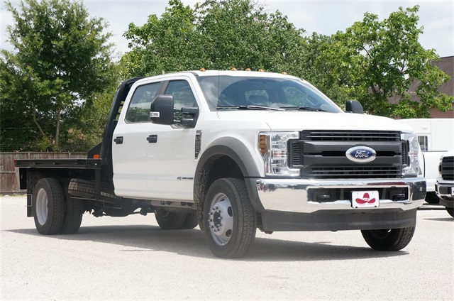 2018 F-550 Crew Cab DRW 4x4,  Platform Body #JEC14455 - photo 4