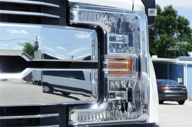 2018 F-250 Crew Cab 4x2,  Pickup #JED04960 - photo 6
