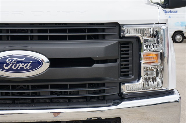 2019 F-350 Crew Cab DRW 4x2,  Pickup #KEC50232 - photo 6