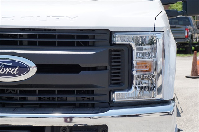 2019 F-350 Crew Cab DRW 4x4,  CM Truck Beds RD Model Platform Body #KED72575 - photo 6