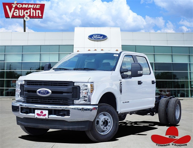2019 F-350 Crew Cab DRW 4x4,  Cab Chassis #KEE90095 - photo 1