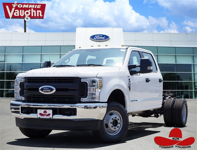2019 F-350 Crew Cab DRW 4x4,  Cab Chassis #KEE90097 - photo 1