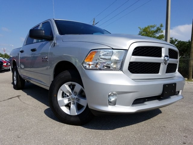 2018 Ram 1500 Crew Cab 4x2,  Pickup #G234455 - photo 3