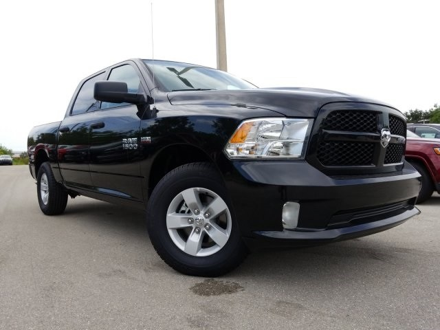 2018 Ram 1500 Crew Cab 4x2,  Pickup #G250894 - photo 3