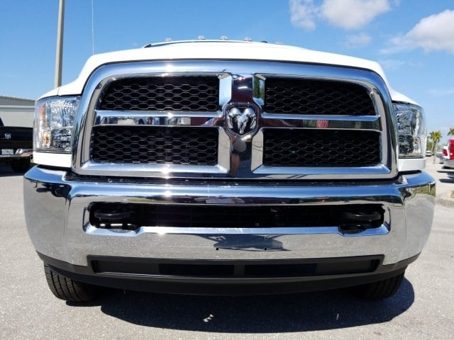2018 Ram 3500 Crew Cab DRW 4x4,  Pickup #G267178 - photo 8