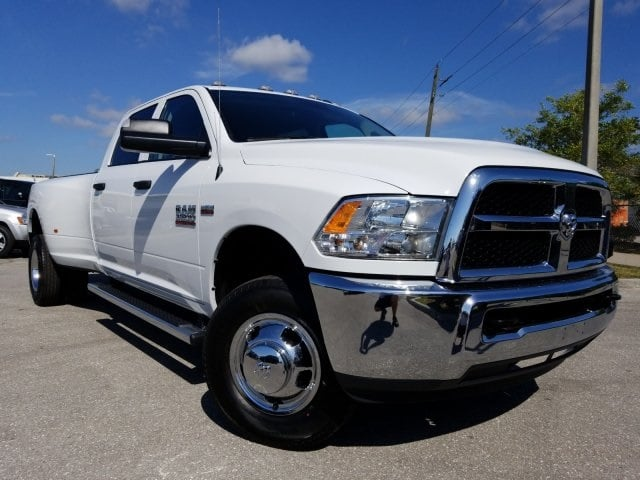 2018 Ram 3500 Crew Cab DRW 4x4,  Pickup #G267178 - photo 3