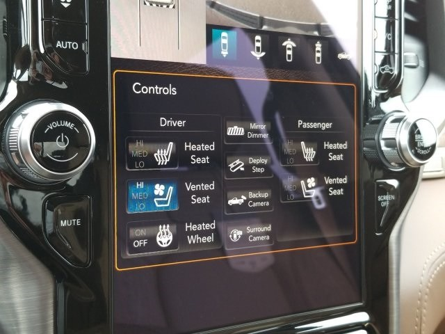 2019 Ram 1500 Crew Cab 4x2,  Pickup #N509415 - photo 25