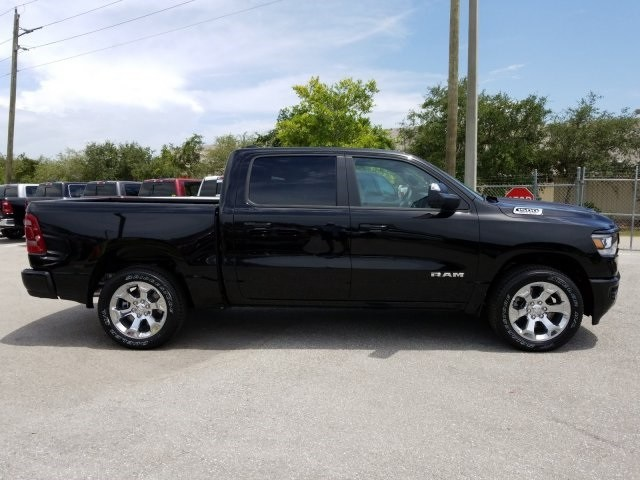 2019 Ram 1500 Crew Cab 4x2,  Pickup #N558650 - photo 4