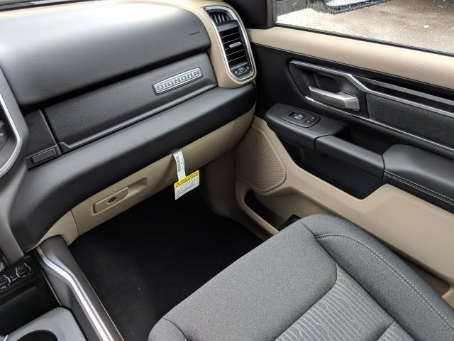 2019 Ram 1500 Crew Cab 4x2,  Pickup #N628561 - photo 14