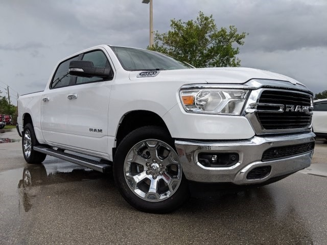2019 Ram 1500 Crew Cab 4x2,  Pickup #N628561 - photo 3
