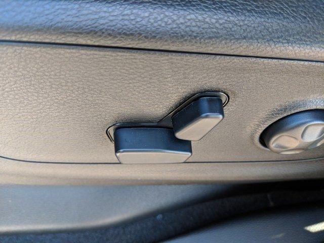 2019 Ram 1500 Crew Cab 4x2,  Pickup #N628565 - photo 18