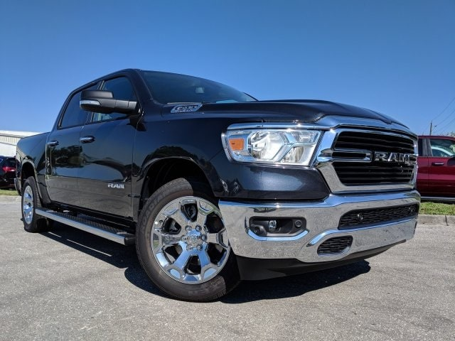2019 Ram 1500 Crew Cab 4x2,  Pickup #N628565 - photo 4