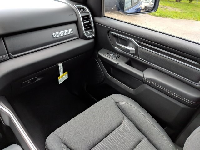 2019 Ram 1500 Crew Cab 4x2,  Pickup #N628566 - photo 14