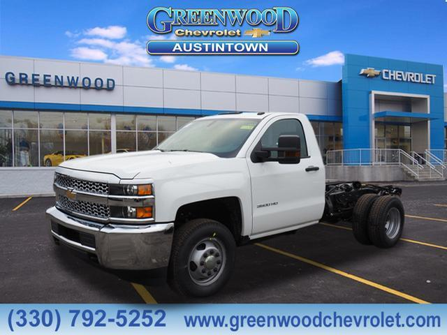 2019 Silverado 3500 Regular Cab DRW 4x4,  Cab Chassis #K55697 - photo 4