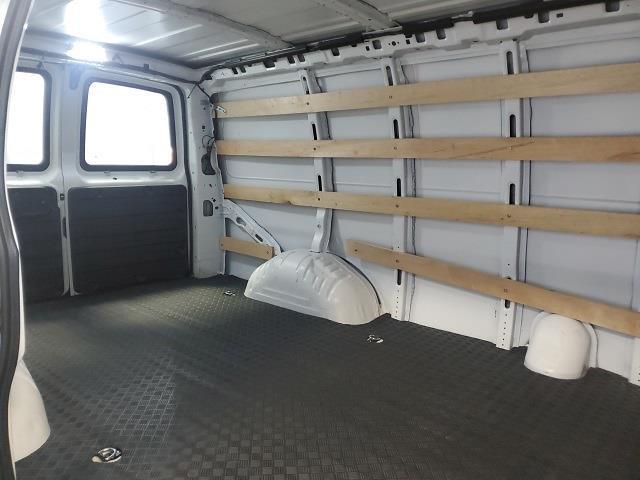 2019 GMC Savana 2500 4x2, Empty Cargo Van #P10324 - photo 16