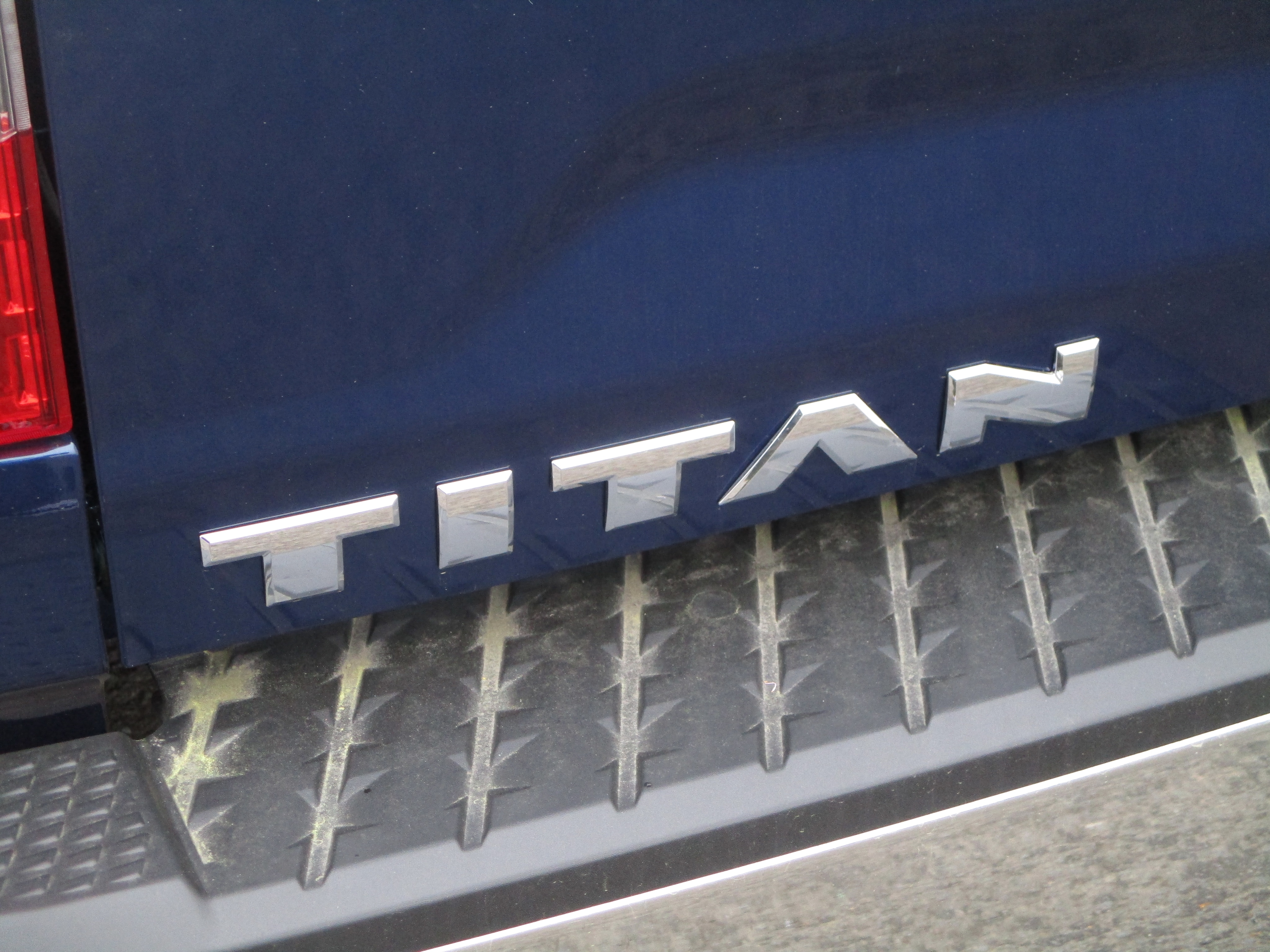 2017 Titan Crew Cab, Pickup #7N0026 - photo 10