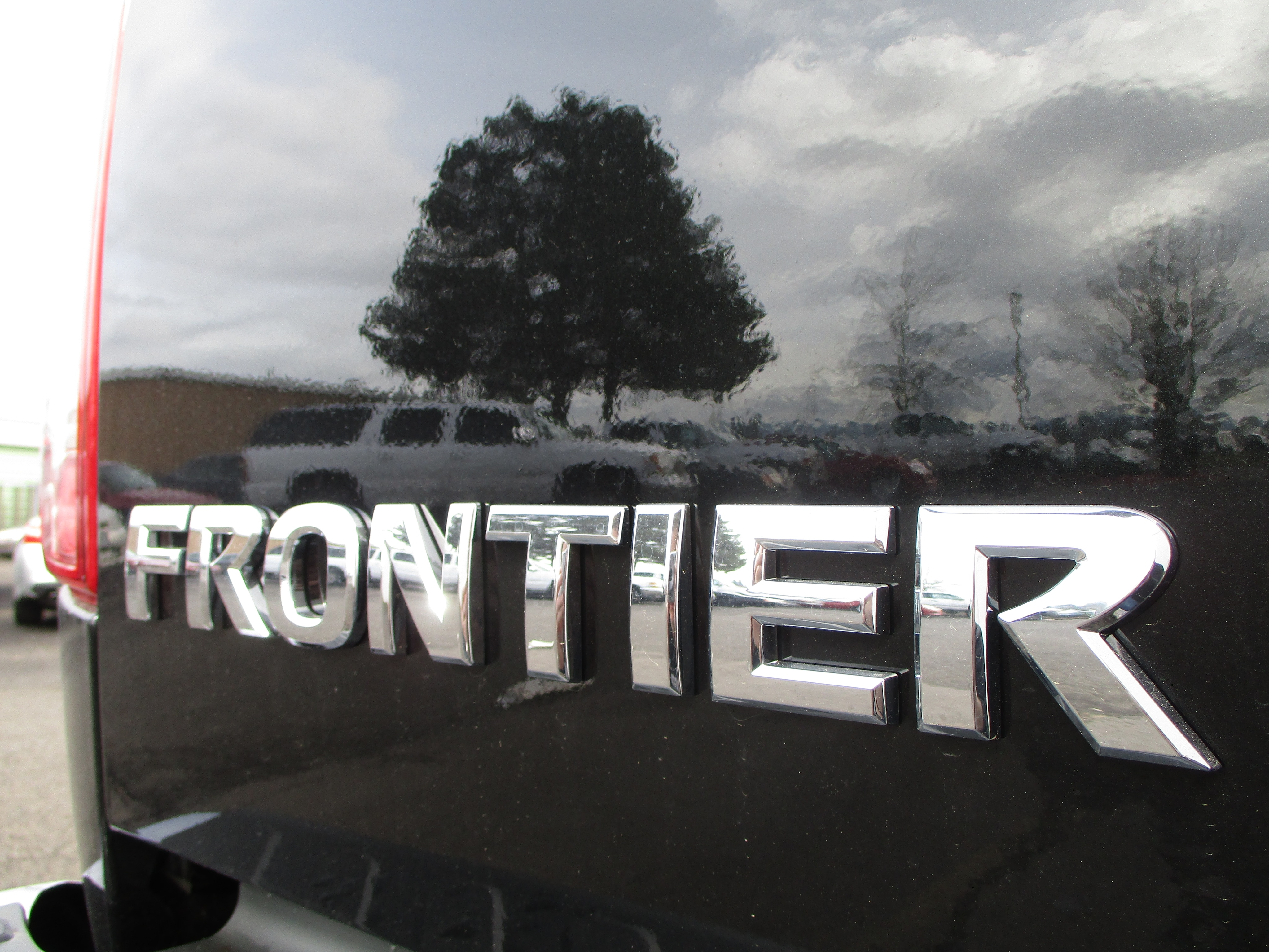 2018 Frontier Crew Cab,  Pickup #8N0082 - photo 8