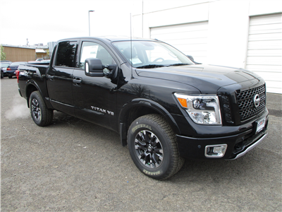 2018 Titan Crew Cab, Pickup #8N0094 - photo 3
