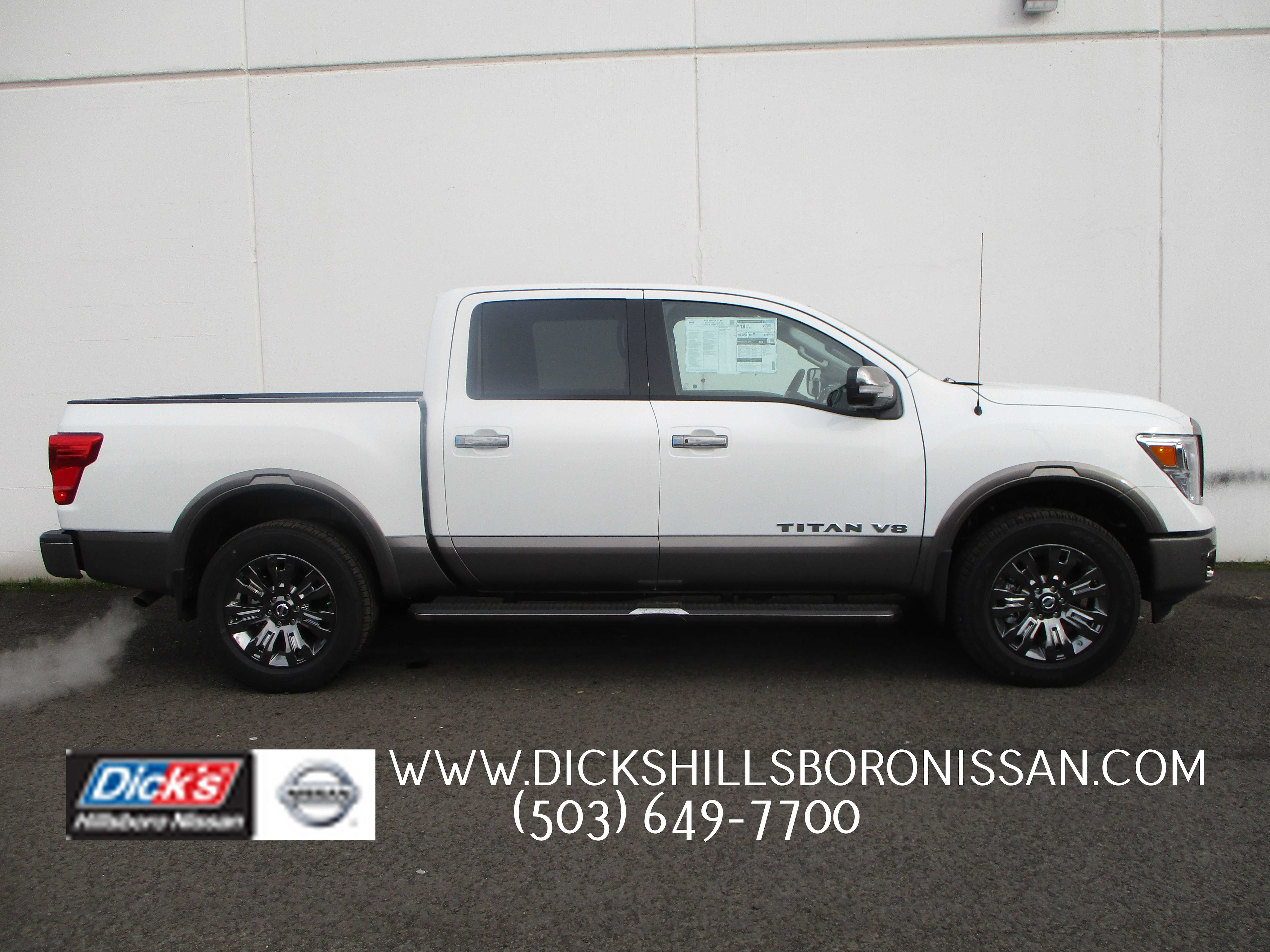 2018 Titan Crew Cab 4x4,  Pickup #8N0095 - photo 1