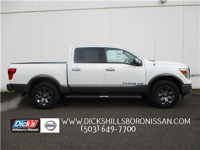 2018 Titan Crew Cab, Pickup #8N0095 - photo 1