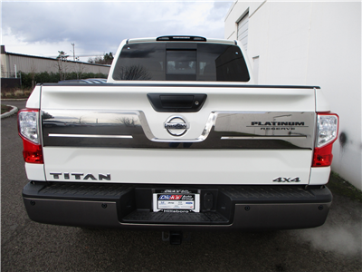 2018 Titan Crew Cab, Pickup #8N0095 - photo 2