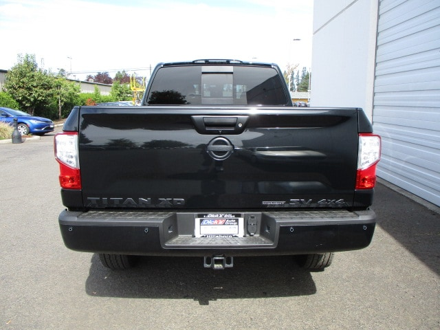 2018 Titan Crew Cab,  Pickup #8N0160 - photo 3