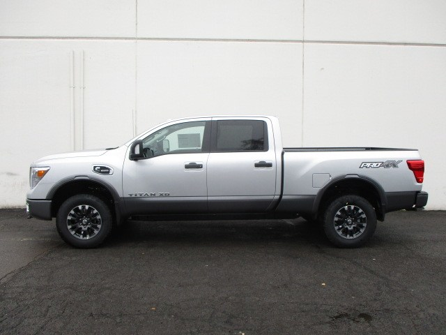 2019 Titan XD Crew Cab,  Pickup #9N0003 - photo 6