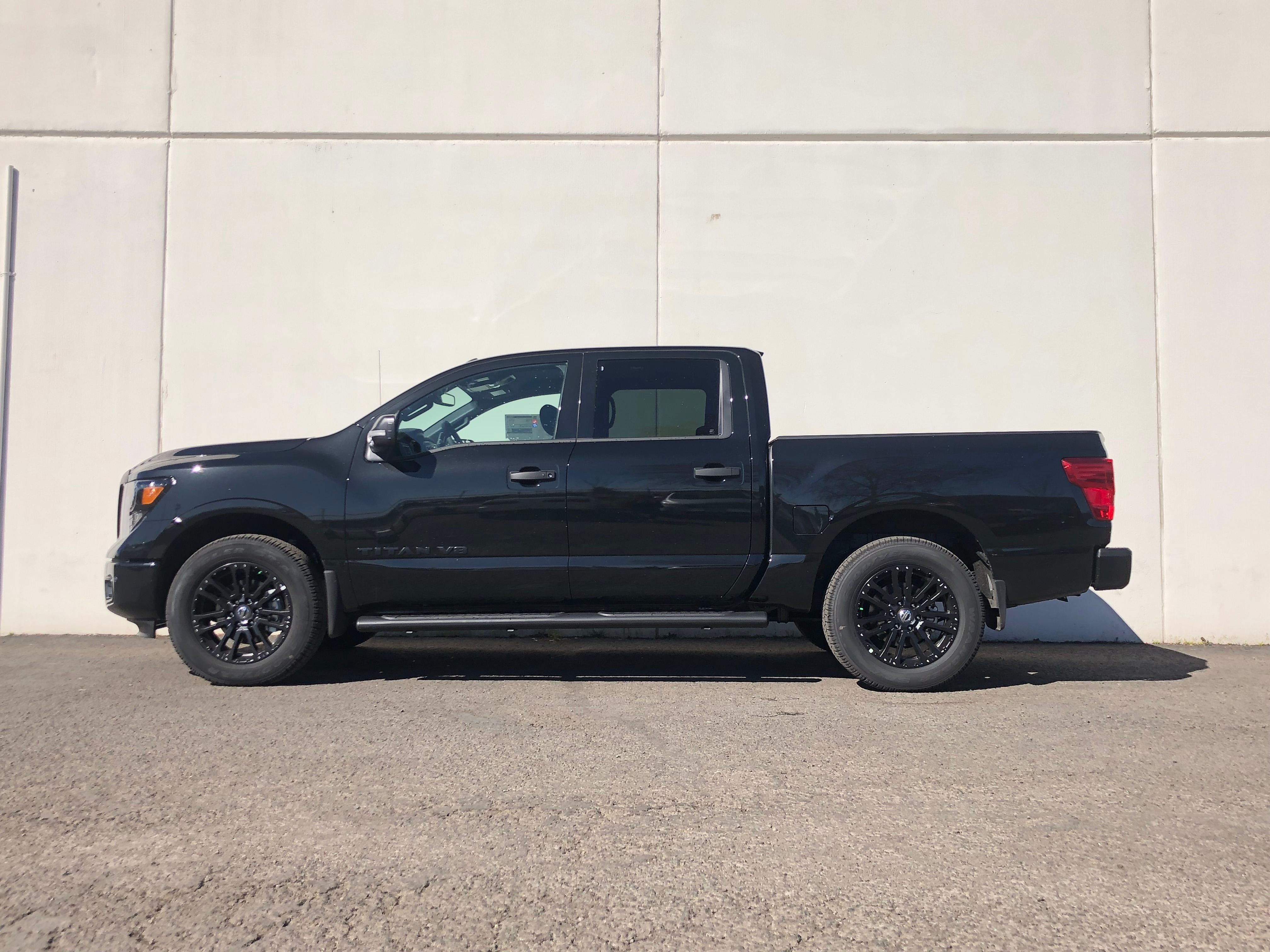 2019 Titan Crew Cab 4x4,  Pickup #9N0043 - photo 6
